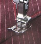Лапка для шв. маш. F045 c подпружиненным направителем 5 мм
