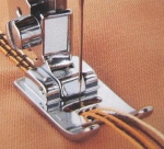Лапка для шв. маш. F019N для вшивания 5 шнуров